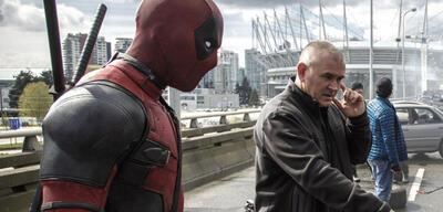 Tim Miller bei Dreharbeiten zu Deadpool