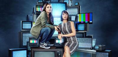 UnREAL Staffel 3 - Wann & wie geht es mit der bissigen Satire-Serie weiter?
