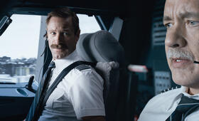 Sully mit Tom Hanks und Aaron Eckhart - Bild 65