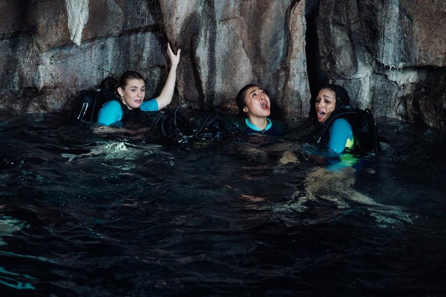 47 Meters Down: Uncaged mit Sophie Nélisse, Corinne Foxx und Brianne Tju