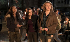 Wish Upon mit Joey King, Shannon Purser und Sydney Park - Bild 33