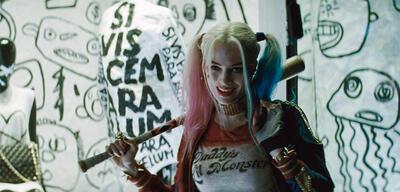Margot Robbie alsHarley Quinn