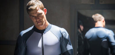 Alan Ritchson in Lazer Team