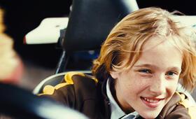 Luk (Justus Kammerer) versucht angestrengt beim Auto-Scooter fahren am besten abzuschneiden. - Bild 30