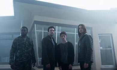 The Mist, The Mist Staffel 1 mit Danica Curcic und Okezie Morro - Bild 7