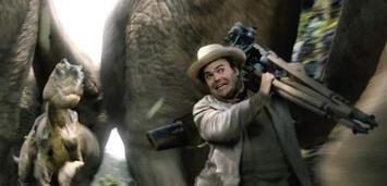 Bild zu:  CGI-Dinosaurier und Jack Black in King Kong
