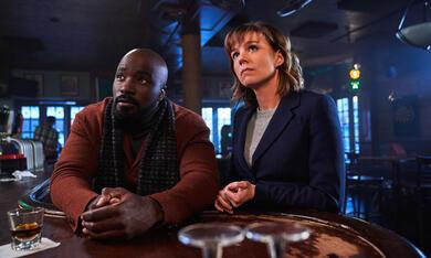 Evil, Evil - Staffel 1 mit Mike Colter und Katja Herbers - Bild 9