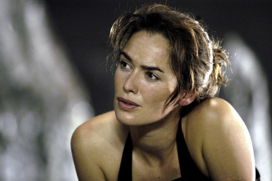 The Cave mit Lena Headey