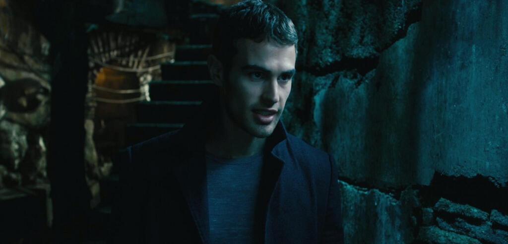 Theo James als David in Underworld Awakening