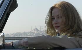 Verhängnisvolle Affaire in Istanbul: Russin Irina (Svetlana Khodchenkova) und MI6-Skalpjäger Ricki Tarr (Tom Hardy) - Bild 12