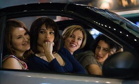 Girls' Night Out mit Scarlett Johansson, Zoë Kravitz, Ilana Glazer und Jillian Bell - Bild 1