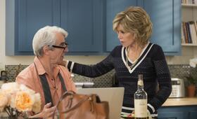 Staffel 2 mit Jane Fonda und Sam Waterston - Bild 12