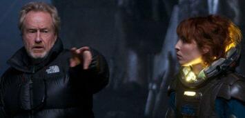 Bild zu:  Ridley Scott und Noomi Rapace am Set von Prometheus