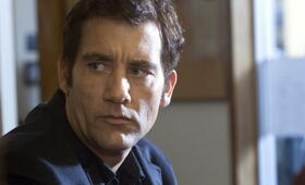 Clive Owen in Trust - Bild 96