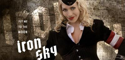 Iron Sky mit Julia Dietze als Renate