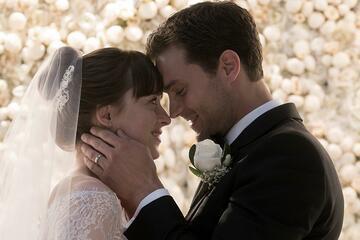 In Teil 3 läuten die Hochzeitsglocken: Dakota Johnson und Jamie Dornan als verliebtes SM-Pärchen