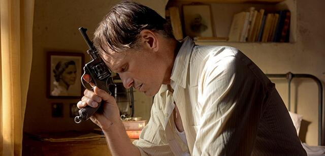Viggo Mortensen in Far from Men (Loin des hommes)
