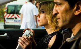 Lucy mit Scarlett Johansson - Bild 170
