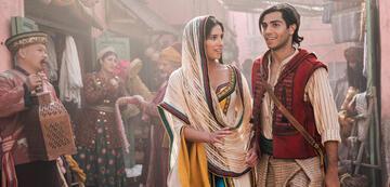Naomi Scott und Mena Massoud in Aladdin
