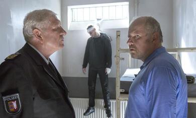 Tatort: Borowski und das dunkle Netz mit Axel Milberg und Michael Rastl - Bild 6