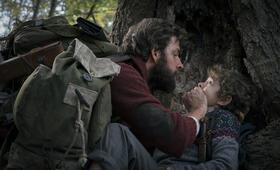 A Quiet Place mit John Krasinski und Noah Jupe - Bild 24