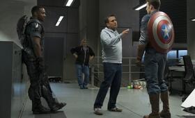 Captain America 2: The Return of the First Avenger mit Chris Evans, Anthony Mackie und Joe Russo - Bild 1