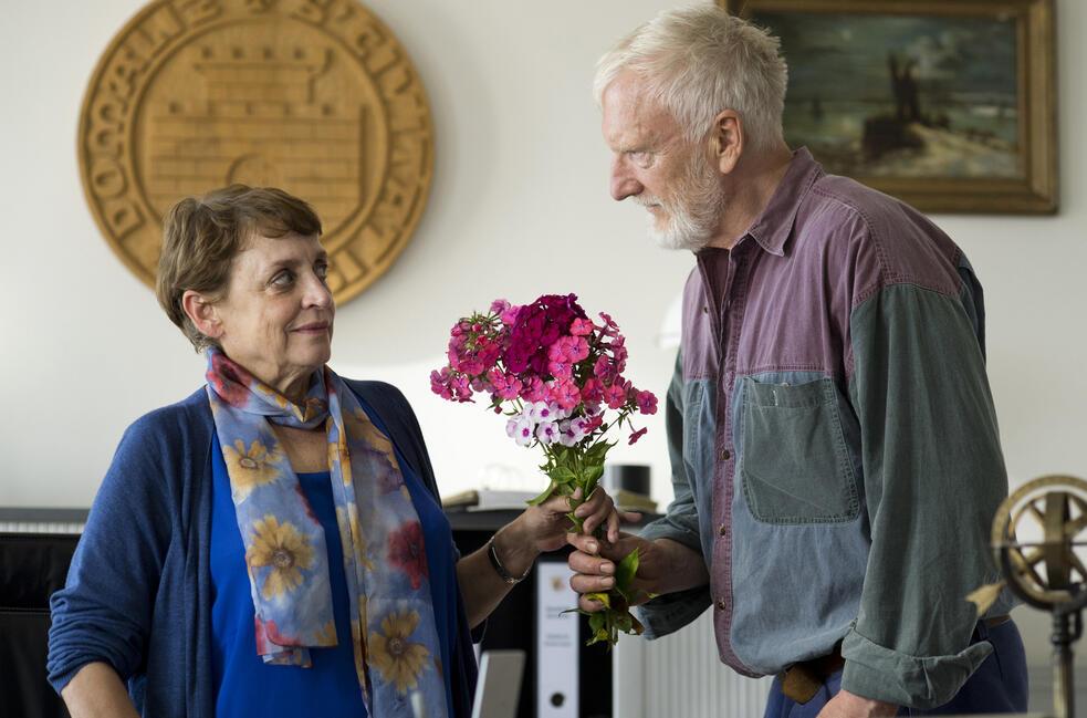 Zwei Bauern und kein Land mit Katharina Thalbach und Ernst Stötzner