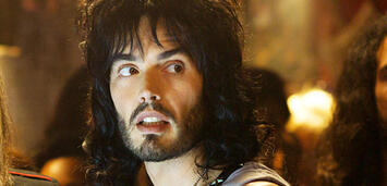 Bild zu:  Russell Brand in Rock of Ages