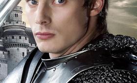 Bradley James in Merlin - Bild 4