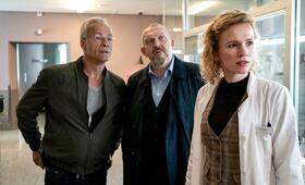 Tatort: Gefangen mit Dietmar Bär, Klaus J. Behrendt und Adina Vetter - Bild 4