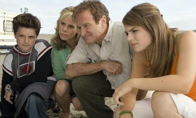 Die Chaoscamper mit Robin Williams, Josh Hutcherson, Joanna 'JoJo' Levesque und Cheryl Hines - Bild 3