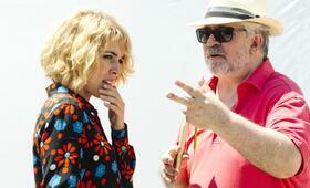 Julieta mit Pedro Almodóvar und Adriana Ugarte - Bild 8