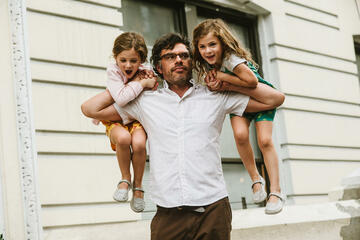 Jemaine Clement in People Places Things