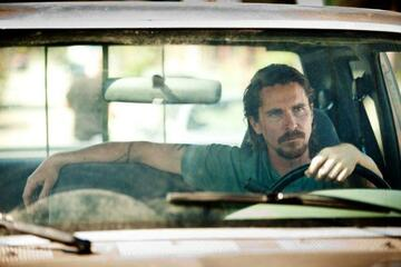Christian Bale kann Auto fahren (in Auge um Auge)