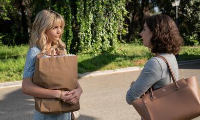 Promising Young Woman mit Carey Mulligan und Alison Brie - Bild 8