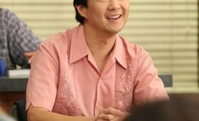 Ken Jeong in Community - Bild 23