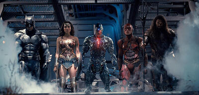 Justice League mit Ben Affleck, Gal Gadot, Ray Fisher, Ezra Miller und Jason Momoa