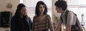 Aliyah Royale, Alexa Mansour und Nicolas Cantu in The Walking Dead: World Beyond