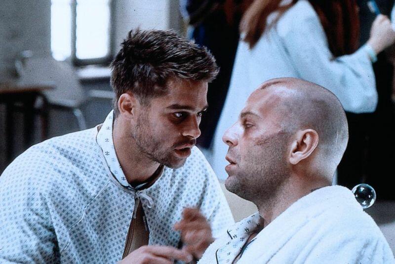 12 Monkeys mit Bruce Willis und Brad Pitt