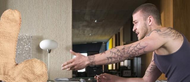 Tattoo seite mann