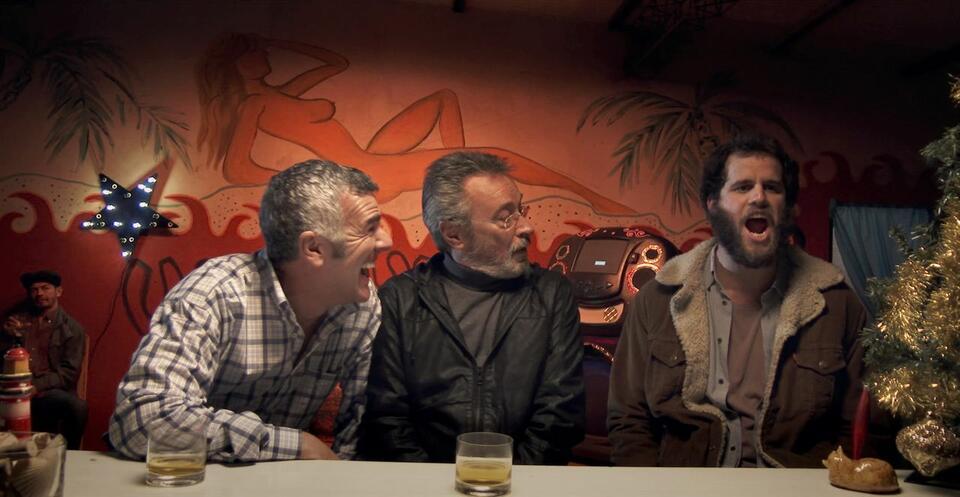 Der Nobelpreisträger mit Dady Brieva und Oscar Martínez
