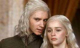 Game of Thrones - Staffel 1 mit Emilia Clarke und Harry Lloyd - Bild 78
