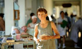 Tom Holland in The Impossible - Bild 57