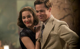 Allied - Vertraute Fremde mit Brad Pitt und Marion Cotillard - Bild 51