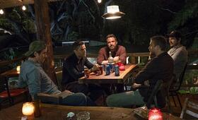 Triple Frontier mit Ben Affleck, Oscar Isaac, Charlie Hunnam, Pedro Pascal und Garrett Hedlund - Bild 15