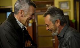 Der Nobelpreisträger mit Oscar Martínez und Dady Brieva - Bild 20