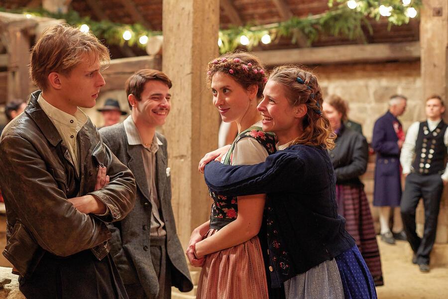 A Gschicht über d'Lieb mit Svenja Jung und Merlin Rose