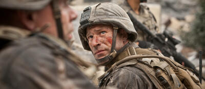 Aaron Eckhart in World Invasion: Battle Los Angeles