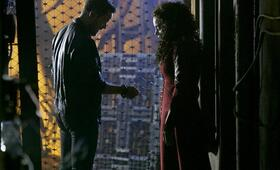 Killjoys - Staffel 4, Killjoys - Staffel 4 Episode 1 mit Hannah John-Kamen und Aaron Ashmore - Bild 4