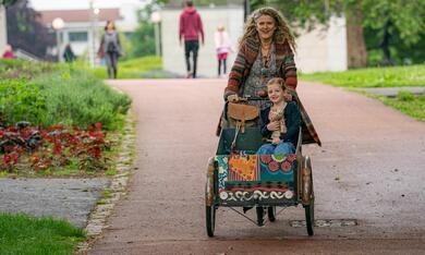 Enkel für Anfänger mit Barbara Sukowa und Luise Gleich - Bild 3